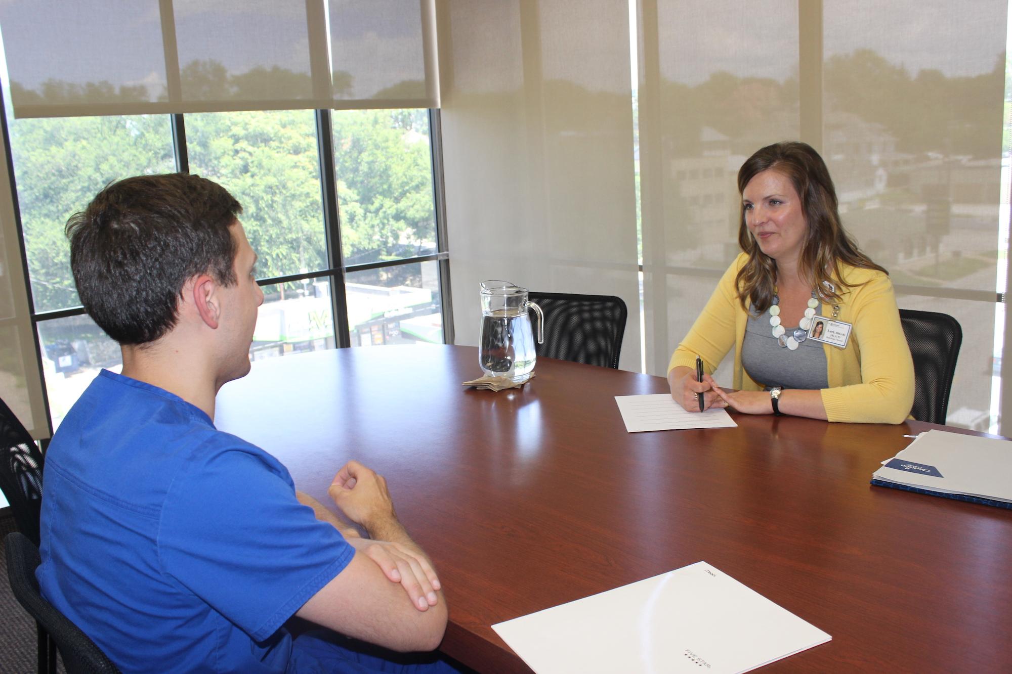 Alumna Helps Students Build Job Search Skills